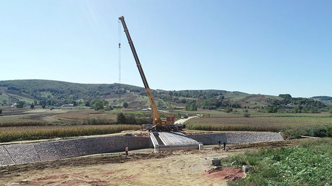 The beams of the Cavus Bridge were placed