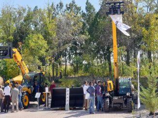 диеци телескопски утоваривачи добијају пуну оцену на догађају купца у околини