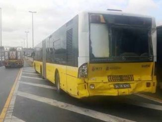halicioglunda metrobus metrobuse carpti yarali