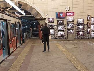 iettden karakoy tunel ara guler udstilling