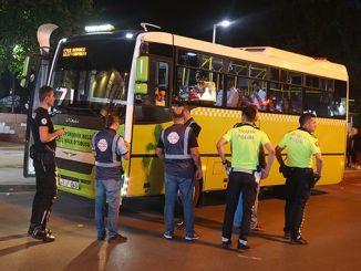autobus pubblici controllati per un trasporto sicuro