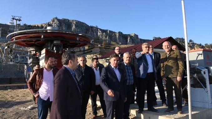 Gurel kormányzó ellátogatott a Keltepe síközpontba