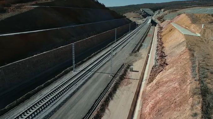 Ankarada sivas yht proyektini dayandırmayan dəmir yolu davam edir