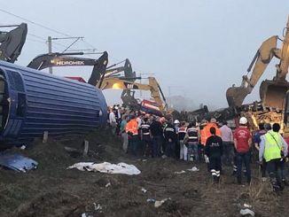 aicinājums atkāpties no amata ar vilciena negadījuma palīdzību
