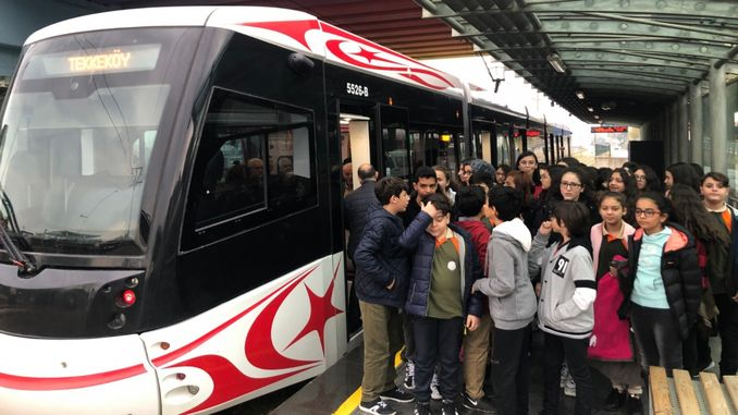 samulas tells students the benefits of public transport