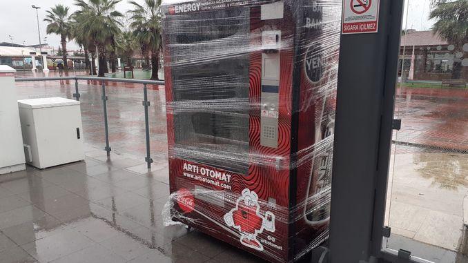 akcaray stoppt Iessen a Gedrénks Automat