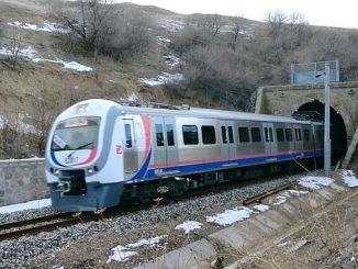 انقرة sincan polatli القطار الإقليمي الجدول الزمني ساعات خريطة الطريق وتوقف