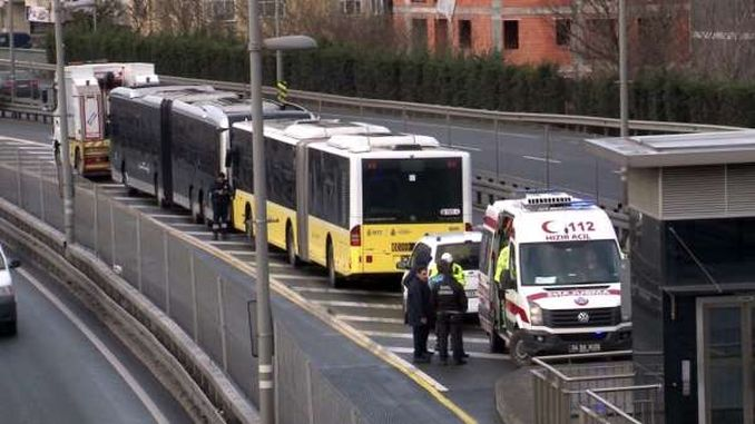 metrobus ranny w Stambule okmeydan