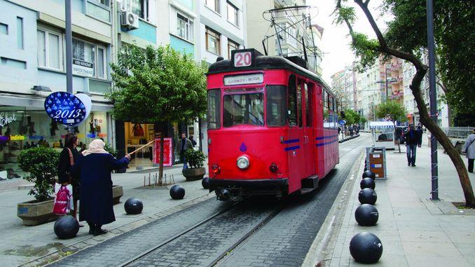 kadikoy फैशन ट्राम यात्री क्षमता में वृद्धि हुई