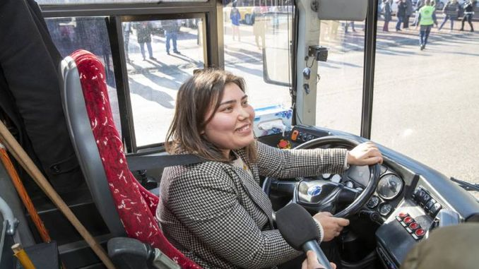 woman candidate passed the steering exam for bus excellence