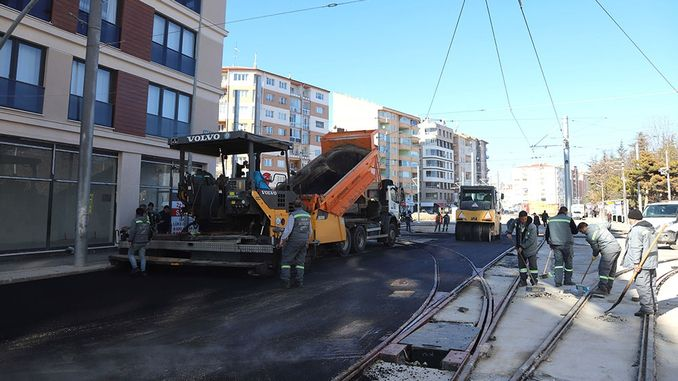 Works in Eskisehir tram lines continue