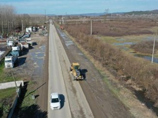 The muddy roads are cleaned in the study of Marmara Highway