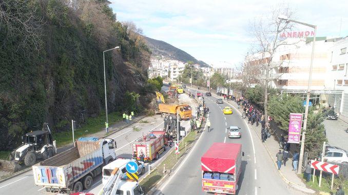 Erdrutsch auf Samsun Army Highway