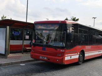 بازاروں میں گاہک بس پر مسافروں کا غصہ آگیا