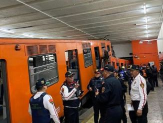 two metro trains became carpets in Mexico