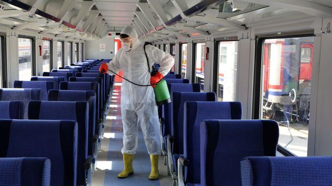 bütün qatarlar corona virusuna qarşı dezinfeksiya edilir