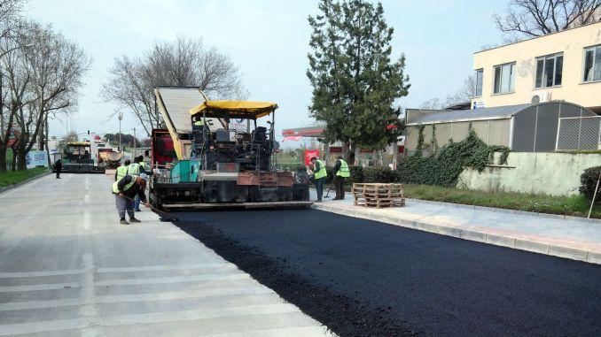asphalt bare during the daily ban in bursa