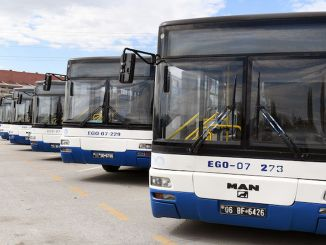 Ego-Busse bieten auf allen Strecken einen Service mit voller Kapazität