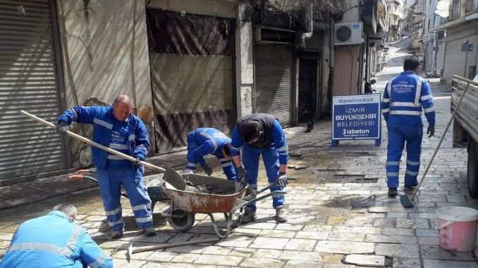izmir residents stay at home