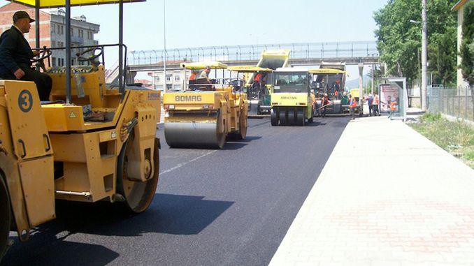 Er werd een aanbesteding voor wegenonderhoud, reparatie en vernieuwing in de provincie Korfez gedaan