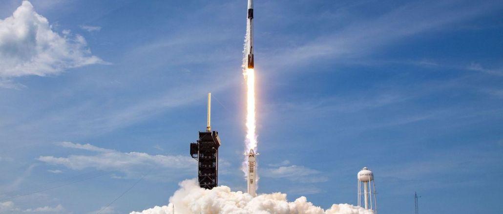 Falcon Basariyla Uzaya Firlatildi