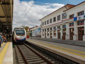 อังการาอิสตันบูลสายรถไฟความเร็วสูง บริษัท จ่ายเงินเพิ่มอีกหนึ่งล้าน TL