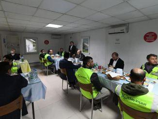 Bộ trưởng làm iftar với công nhân đường sắt karaismailoglu