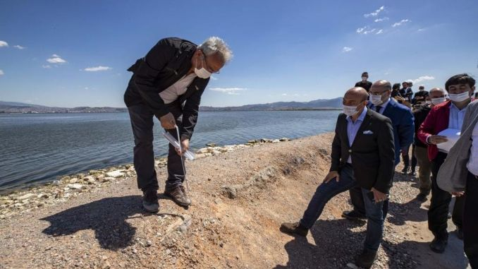 president soyer examined the flamingo nature park project on site
