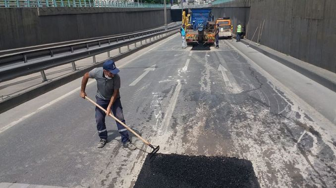 Road repair was carried out in the big tunnel tunnel
