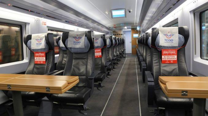 U prucessu di nurmalizazione hà iniziatu in i treni di ferru è ùn ci sò micca biglietti venduti