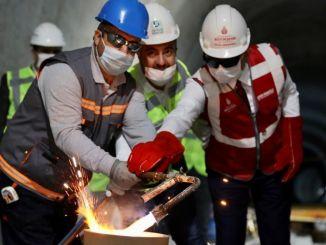 atakoy ikitelli metro jalur upacara pengelasan diadakan di istanbul