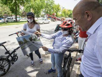Er worden nieuwe wegen aangelegd voor het gebruik van fietsen die zullen toenemen na de pandemie in Izmir.