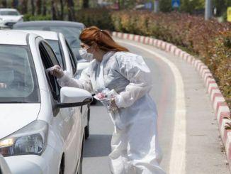 Sundhedspakke distribueres i trafiklys i Mersin