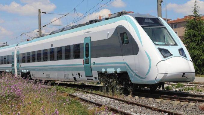 nationale elektrische Zug Mayista Schienen