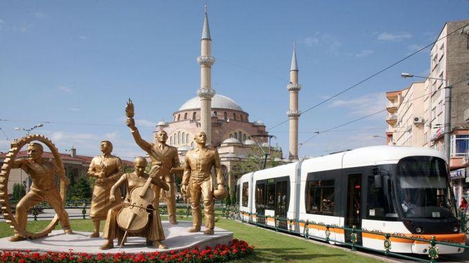 前往埃斯基謝希爾參加考試的學生的公共交通是免費的