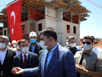 minister examined the earthquake houses in malatya