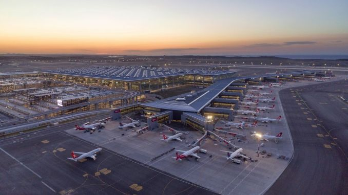 minister gave the news of the Istanbul airport independent third runway opens