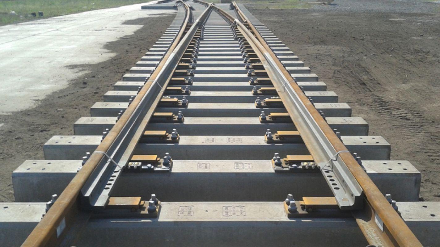 R Tilt einfache Schere mit Betonschwelle wird gekauft.