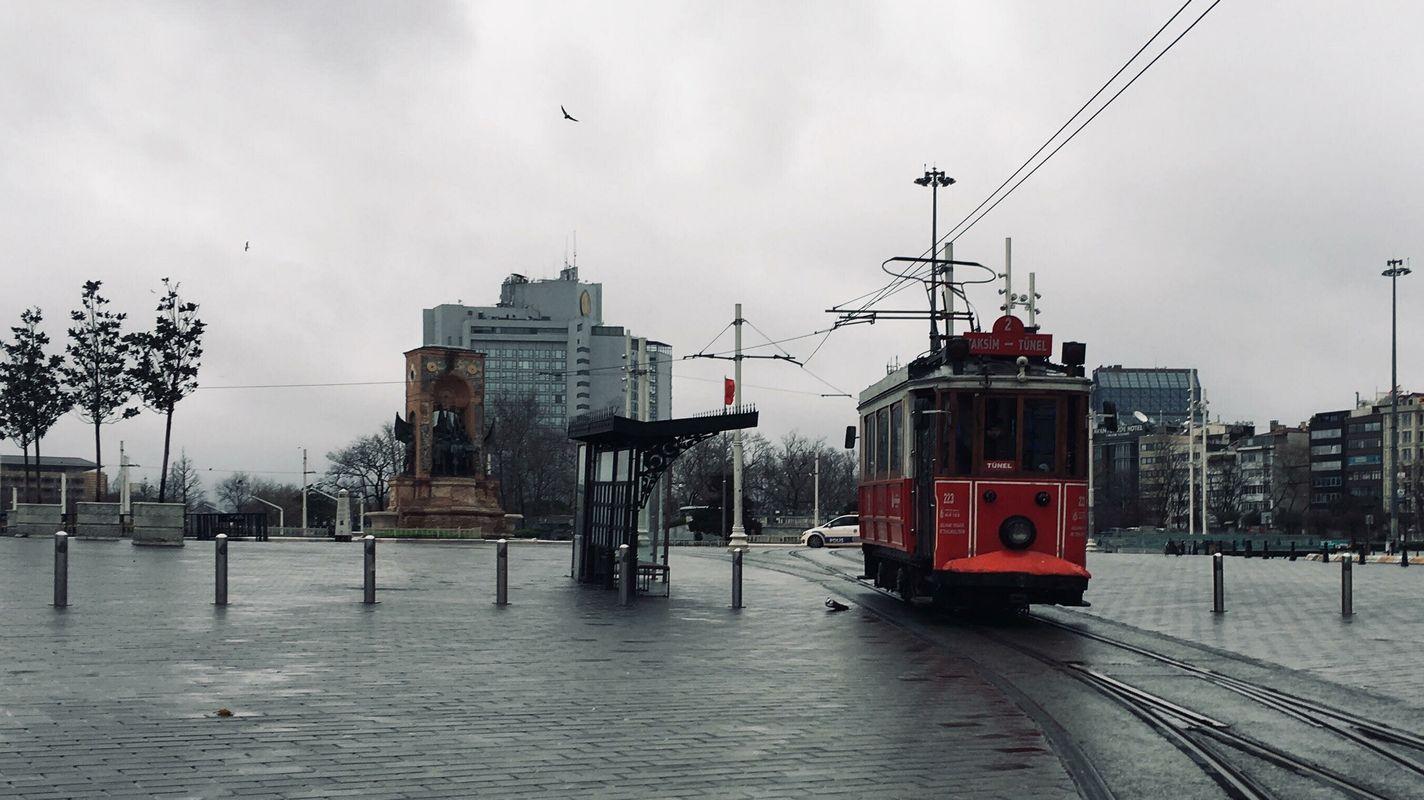 prasideda nostalgiškos tramvajaus paslaugos