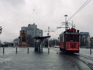 taks nostalgic tram awọn iṣẹ bẹrẹ