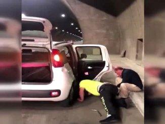 Гума саобраћајне полиције у трабзону променила је гуму возача са посебним захтевима