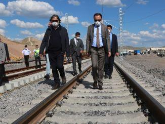 guverner yozgata pregledao je vlak brzog voza i aerodromske konstrukcije u cakiru