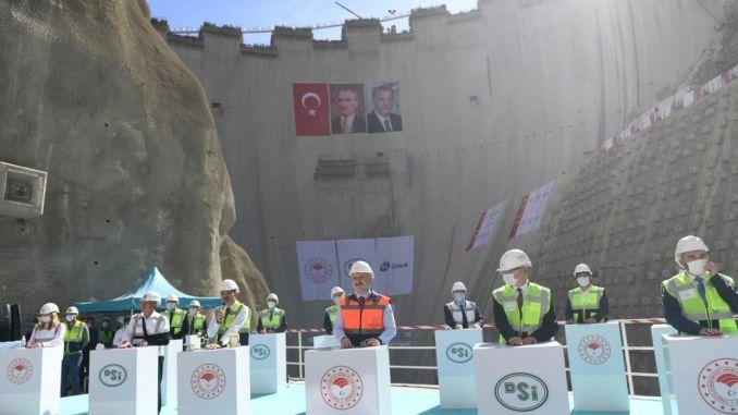 Yusufeli Dam millionth concrete weaving ceremony was held