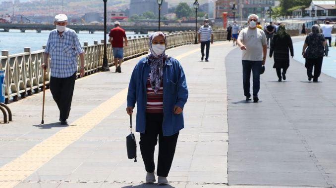 ก่อนงานเลี้ยงสังเวยผู้บำเพ็ญเต็มไปด้วยลีราตุรกีพันล้าน