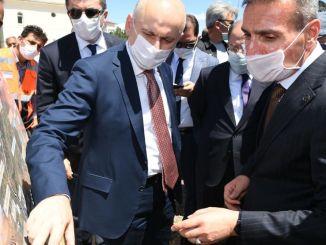 大臣はkaraismailoglu palandoken物流センターで調査を見つけました
