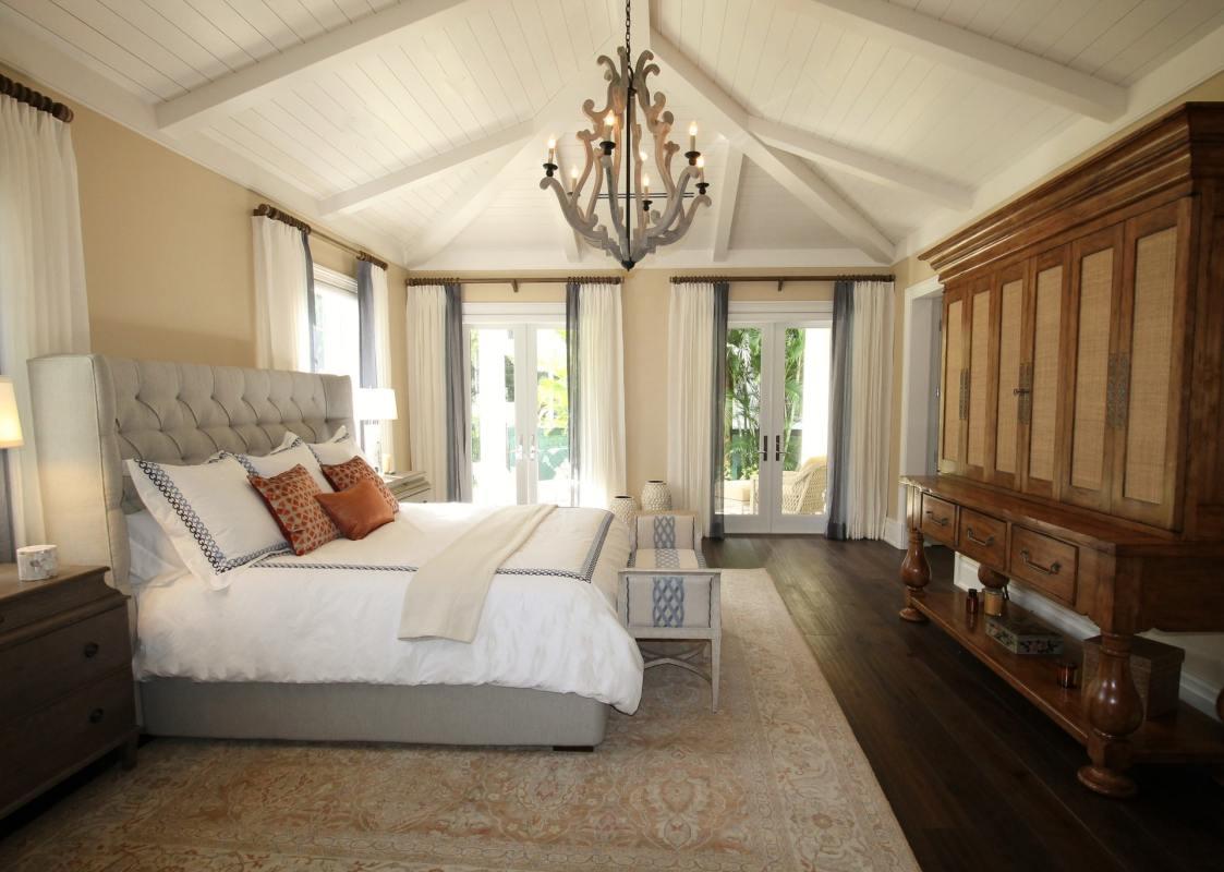 bed bedroom ceiling chandelier