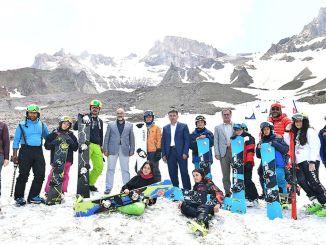 erciyes štyri-sezóna lyžovanie potešenie
