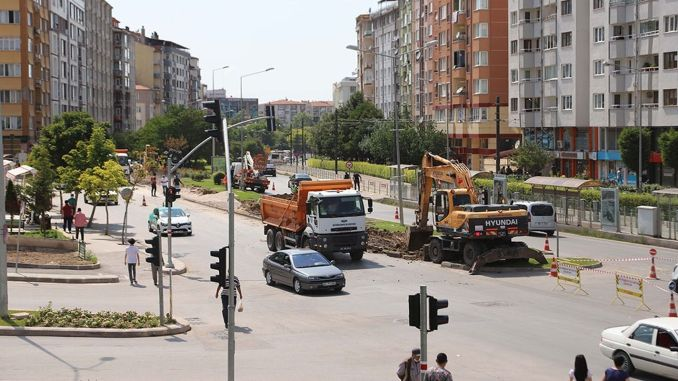 Three-lane intersection study to relax traffic started in Eskisehir
