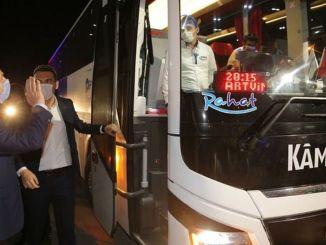شارك وزير الداخلية سليمان في مراقبة حركة المرور النبيلة