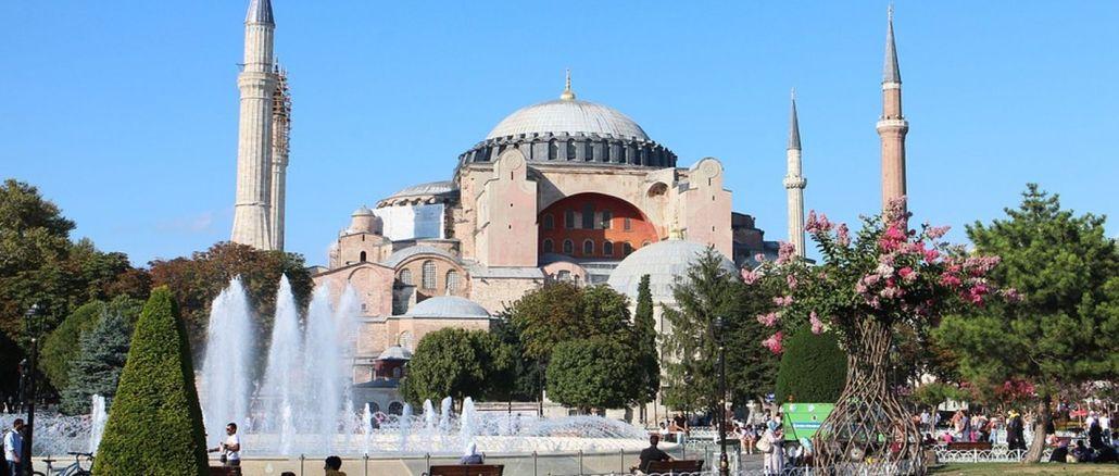 Imamoglu mezquita ayasofya y azan durante años